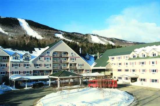 Newry, ME: The Grand Summit Hotel is located slopeside at Sunday River Resort.