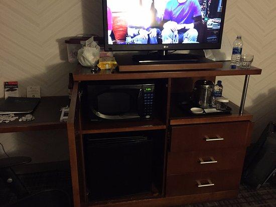 Pheasant Run Resort: TV area