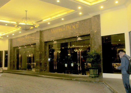 Merdeka Palace Hotel Suites R M 1 8 8 Rm 172 Updated 2018 Reviews Price Comparison And
