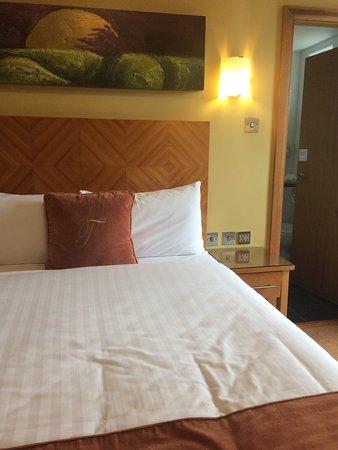 Treacys Hotel Waterford: Room looks OK