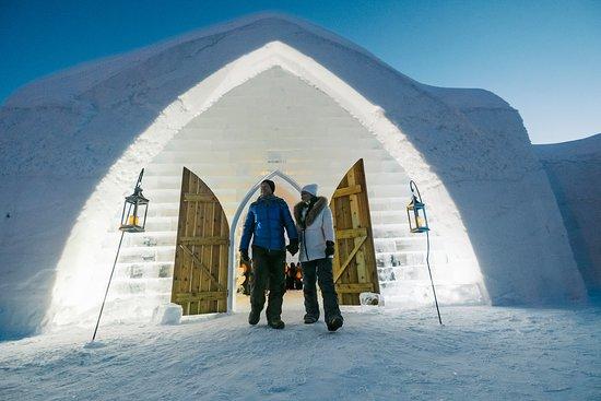 Quebec City, Canada: Ice Hotel in Quebec