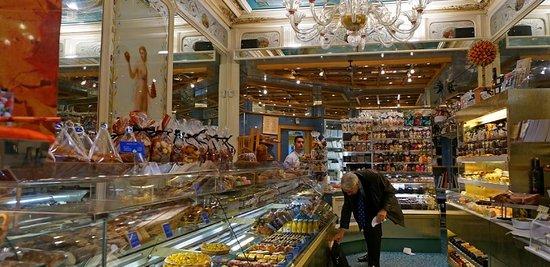 Pâtisserie Stohrer  interior