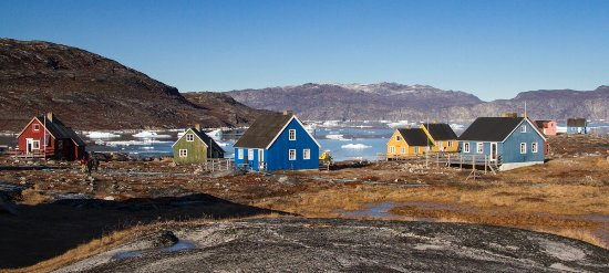 Nuuk Water Taxi: Abandoned fishing village, now an expensive weekend island retreat