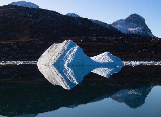 Nuuk Water Taxi: Iceberg