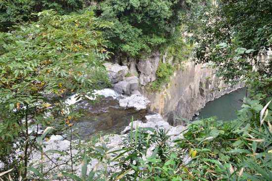 Chinda Fall: 沈堕の滝:雌滝(落ち口)