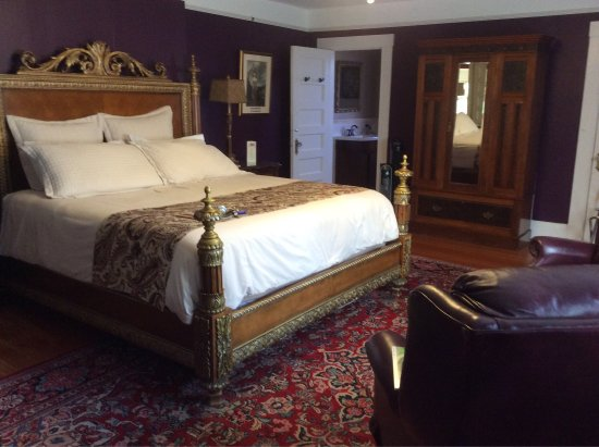 Abbeymoore Manor Bed and Breakfast Inn: photo0.jpg