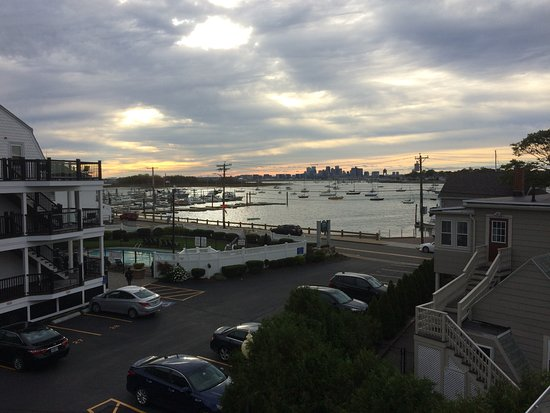 The Inn at Crystal Cove: So many Beautiful SUNSETS over Boston