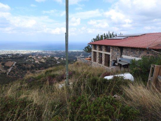 Maroulas, Grèce : Het restaurant met uitzicht op de zee