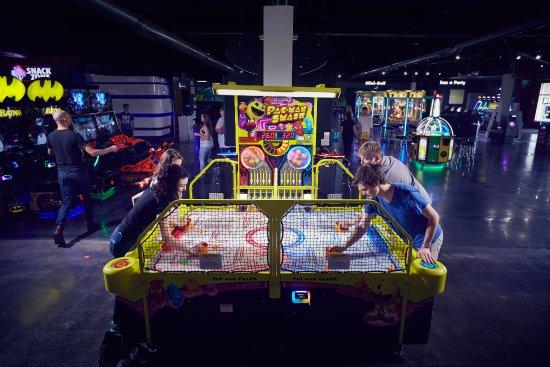 Brunswick, Огайо: Arcade games!