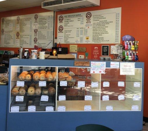 Plainville, CT: Bagels Plus