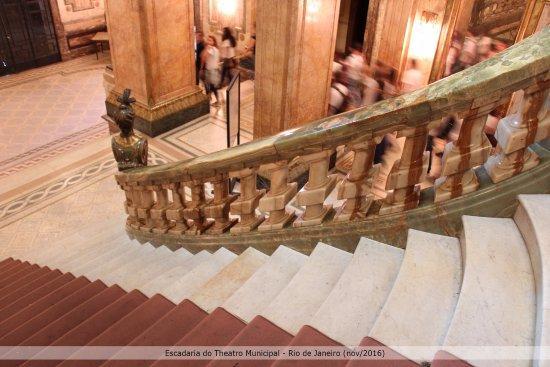 Theatro Municipal do Rio de Janeiro: Escadaria principal