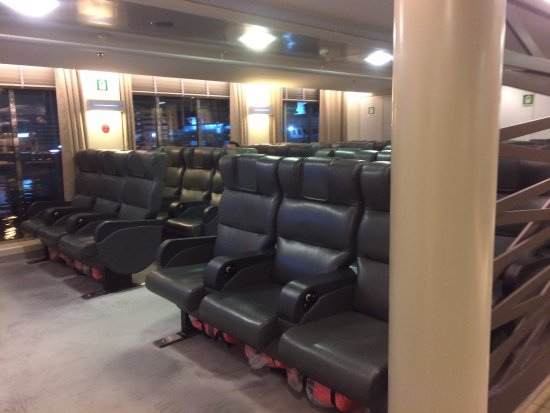 Blue Star Ferry: Economy Class Airseats