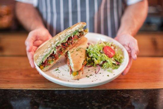Oliva Kitchen & Bar: panini