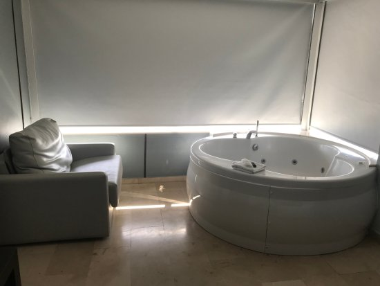 Hotels With Jacuzzi In Room Benidorm
