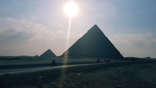Plateau de Gizeh : pyramids
