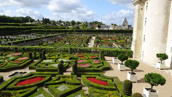 Villandry, Fransa: ornamental gardens from the belvedere