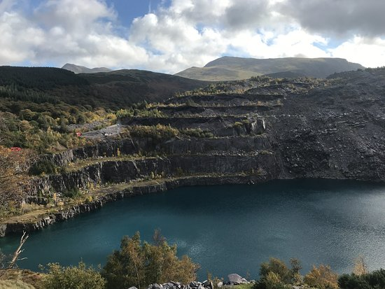 ‪‪Bethesda‬, UK: The zip wire ride over the quarry‬