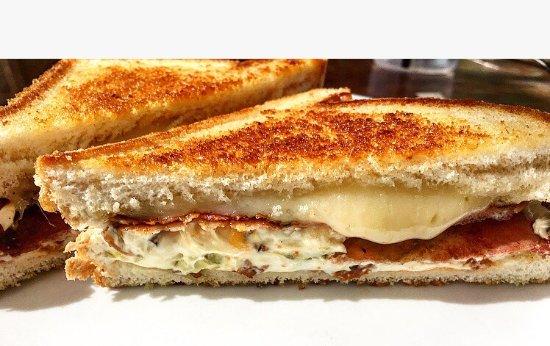 Wallaceburg, แคนาดา: Jalapeño popper sandwich 😍