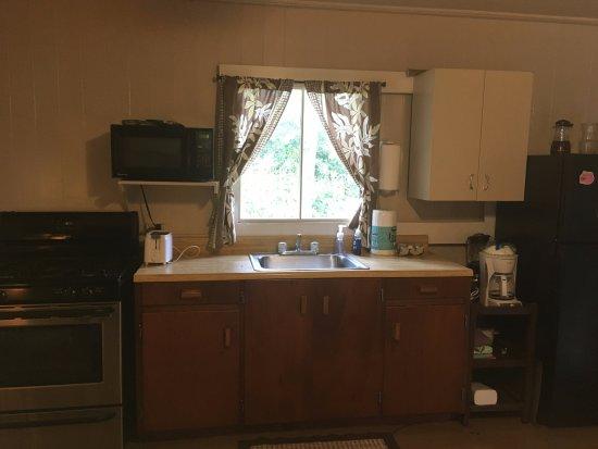 Koke'e State Park, HI: Full Kitchen