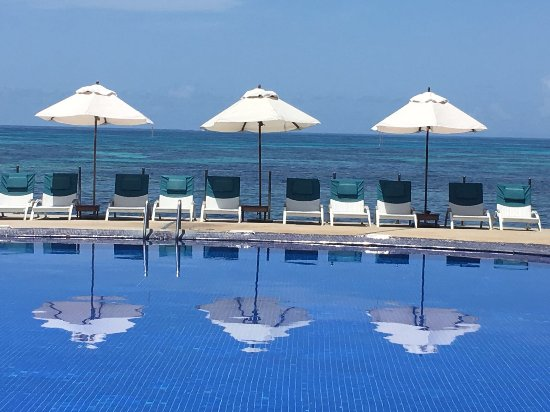 Coco de Mer - Black Parrot Suites: Pool from Coco de Mer; not the extra pool from the Black Parrot Suites