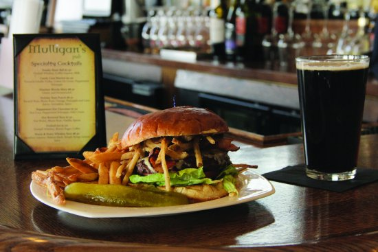 Windham, Estado de Nueva York: Great lunches and dinners on site at Mulligans Pub!