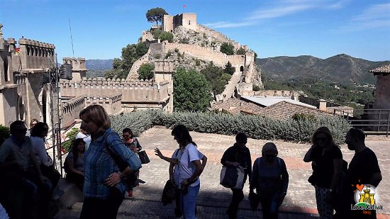 Xativa, Spain: Enjoying the wonderful views of the Castle of Xàtiva surrounded by millienary walls