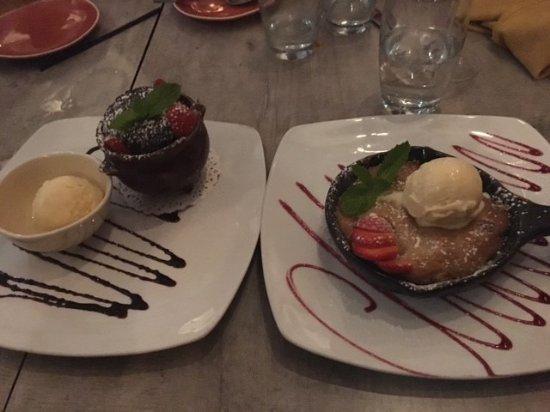 ซัดแบรี, แมสซาชูเซตส์: Chocolate souffle and apple crumble. Allow extra time to order but amazing!!
