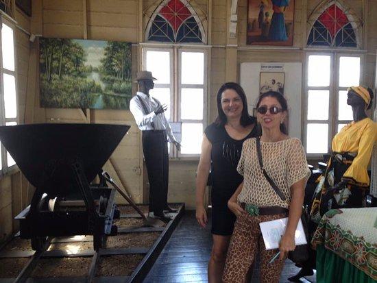 Afro-Antillian Museum (Museo Afro Antillano de Panama ) : Uma homenagem aos trabalhadores que realidade o transformador Canal do Panamá