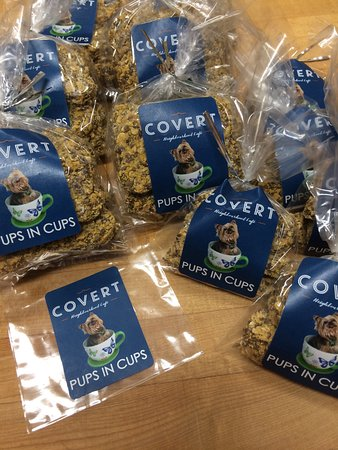 Deep Cove, Canadá: Pups In Cups Dog Treats
