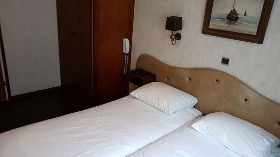 Fletcher Badhotel Noordwijk: kamer
