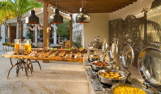 Long Bay Beach, Providenciales: Complementary Breakfast Buffet