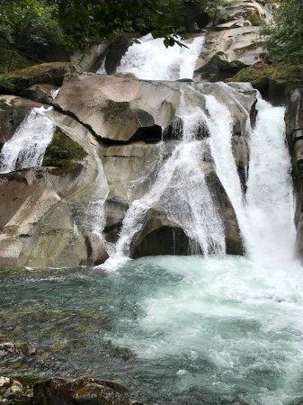 Hagensborg, Canadá: Wasserfälle