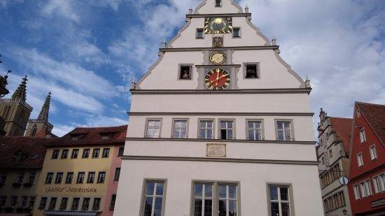 Marktbreit, Almanya: edificio en la plaza (no recuerdo el nombre)