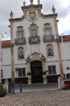 Lousa, Portugal: L'entrée principale de l'hôtel.