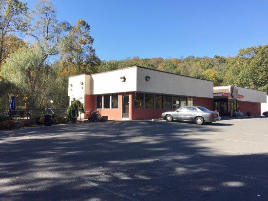 John's Best Pizza Restaurant, Ridgefield CT