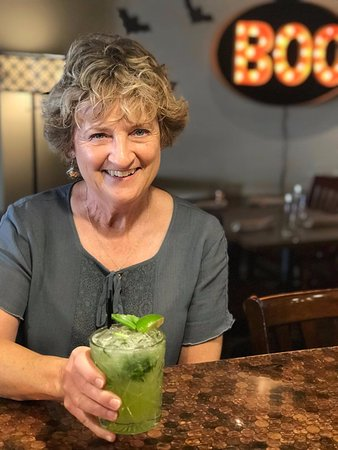 Morganton, Carolina del Nord: New featured cocktail...Wicked made with gin, fresh basil, elderflower and ginger simple syrup