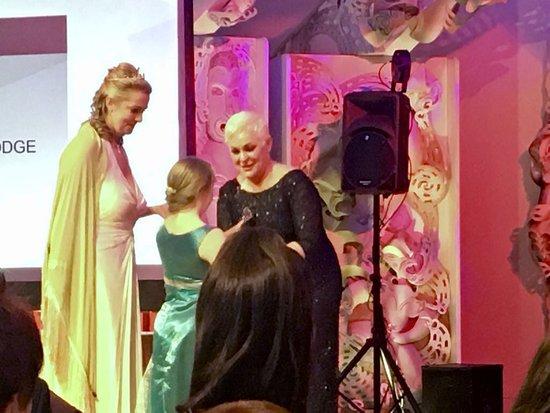 Arrowtown, Nueva Zelanda: Esther Collecting Awards 2017