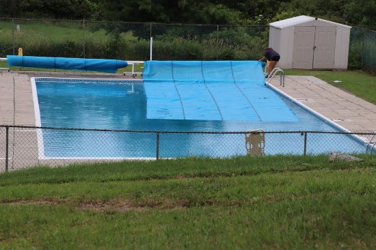 Lansdowne, Canada: The swimming pool