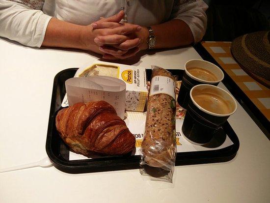 Zaventem, Belgium: Lekker ontbijten, begin van de vakantie