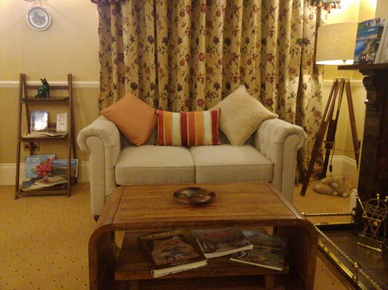 Shaftesbury, UK: After many years Loyal Service we have revamped our Lounge hope you like it