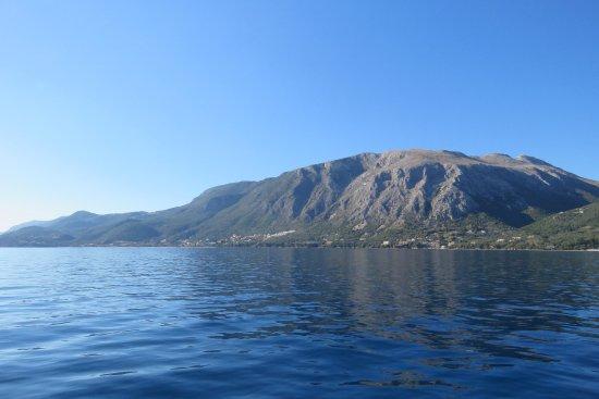 Dassia, Grecia: Mountains from the boat