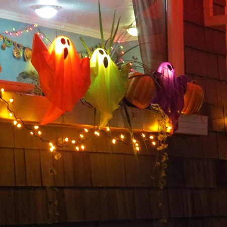 St. Stephen, Canada: Halloween decorations outside