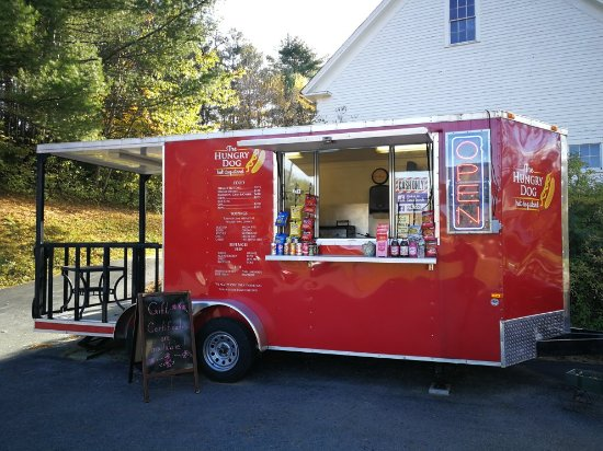 Belmont, NH: The Hungry Dog Hot Dog Stand