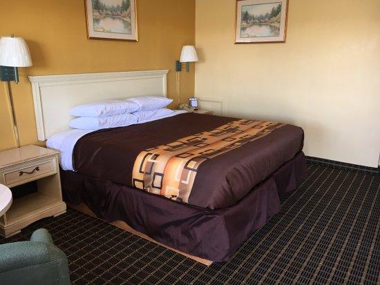 Millbury, Οχάιο: Standard King Bed