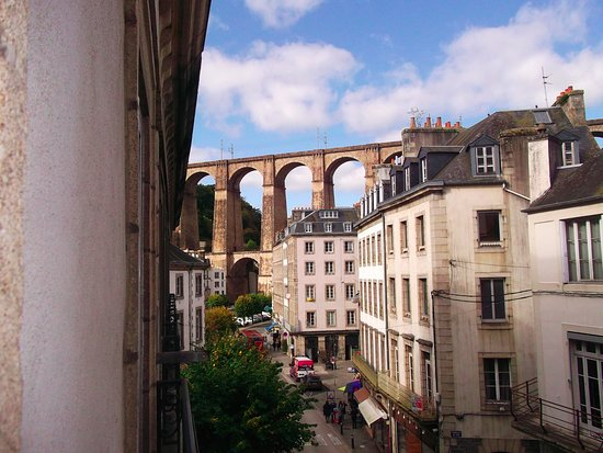 Morlaix, Frankrijk: View from room 241 looking towards the viaduct