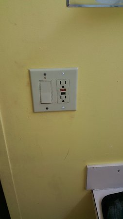Knights Inn Hallandale: The Ground Fault outlet was broken - smashed. Certainly not safe and probably illegal!