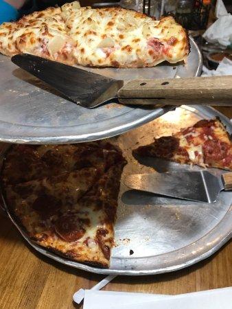 Mother Bear's Pizza: photo2.jpg