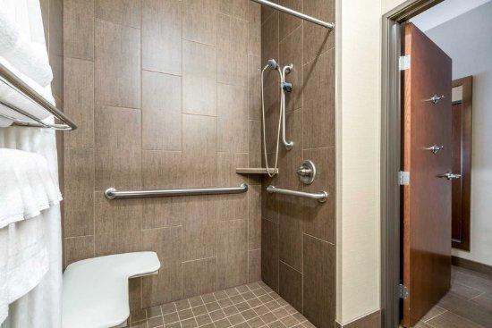 Yakima, WA: Bath