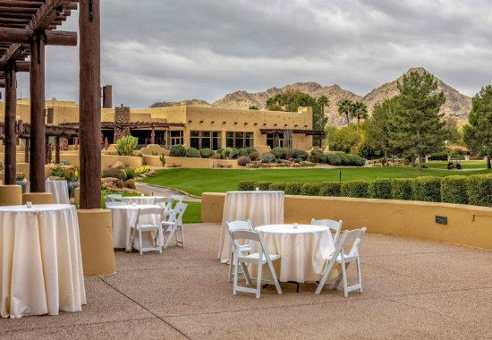 JW Marriott Scottsdale Camelback Inn Resort & Spa: Lakeview Ballroom Views