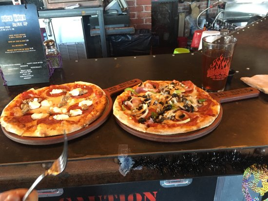 The Rock Wood Fired Kitchen: Lunch special personal pizza